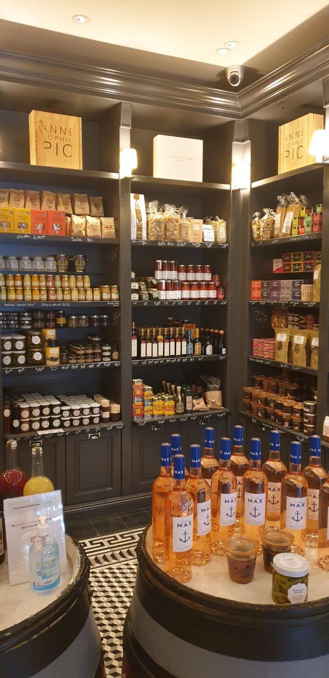 tous les délices disponibles à l'épicerie fine d'Anne Sophie Pic